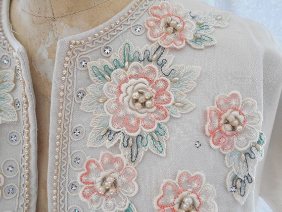 Pretty 1940's Dress/Bolero with Embroidered Flowe… - image 4