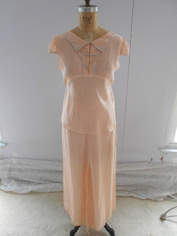 Pretty 1930s Light Peach Silk Pajamas/Loungewear/B