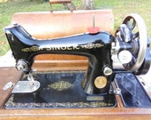 Vintage Singer 15K 1923 Hand Crank Sewing Machine Manual Singer Sewing Machine With Bentwood Carry Case Key