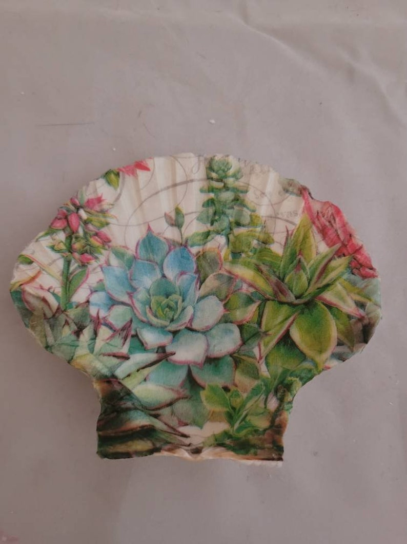 Trinket Dish Shell Art Succulent Shell Decoration Ring Holder Party Favors Shell Art Decoupaged scallop shell Candle Holder