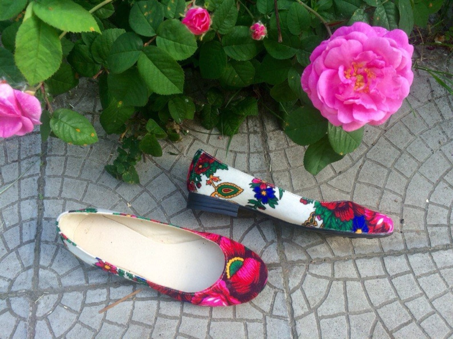 ballet shoes with flowers floral print