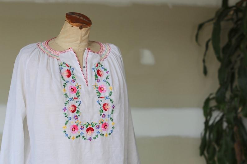 Vintage Hungarian Floral Embroidered Blouse l Hippie Boho Festival
