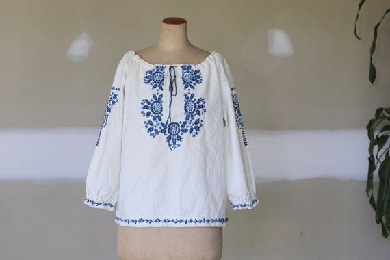 Vintage Hungarian Floral Embroidered Blouse l Roma