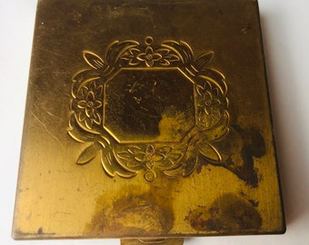 World War II American Eagle Compact Excellent Condition Powder Rouge Compact Elgin America US Army Insignia