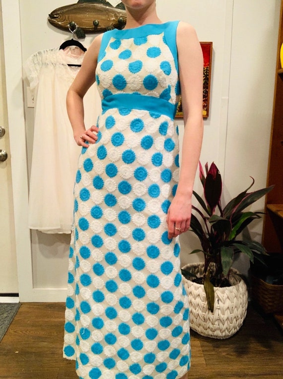 Vintage 1960's Handmade Floral Blue and White Form