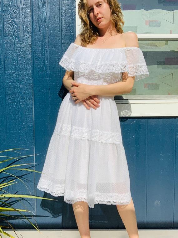 Vintage 1970's White Gunne Sax Style Dress. Vintag