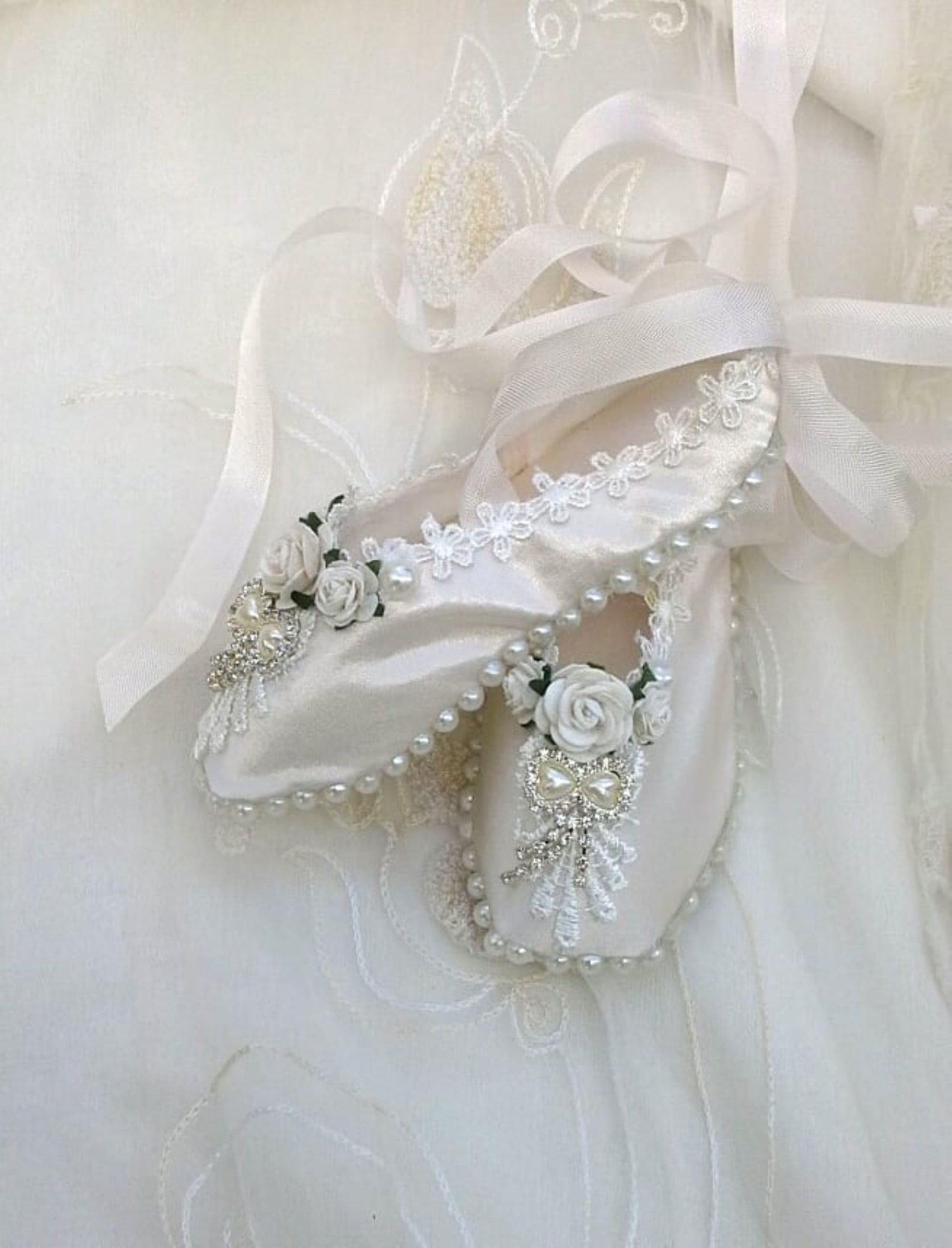 hand made ballet shoes, decorated ballet slippers, pointe shoes, decorative ballet shoes, shabby chic, ballet dancing shoes,gift