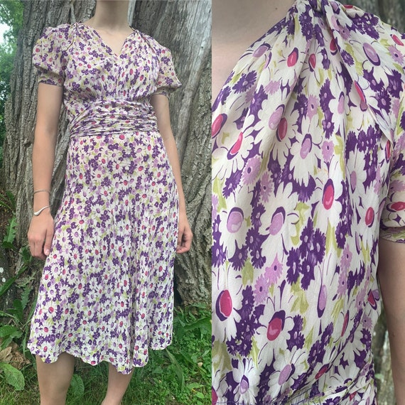 1930s Purple Daisy Floral Cold Rayon Dress Puffed