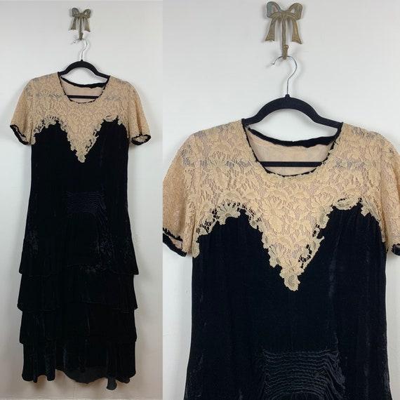 1920s Black Silk Velvet with Lace Yoke [xs/sm/med]