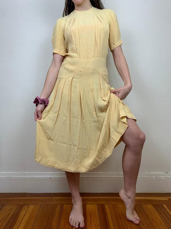 1930s Yellow Cold Rayon Puffed Sleeve Dress [sm/m… - image 2