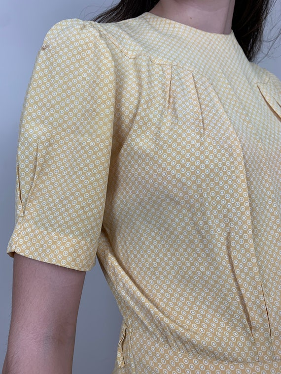 1930s Yellow Cold Rayon Puffed Sleeve Dress [sm/m… - image 6