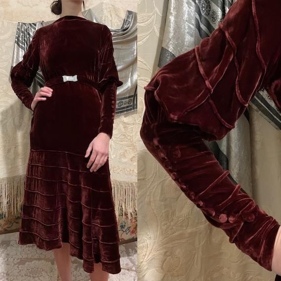 1930s Merlot Burgundy Silk Velvet Gigot Sleeve Ti… - image 1