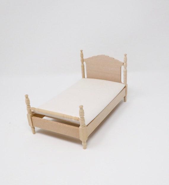 Dolls House Brass Single Bed /& Mattress Miniature 1:12 Bedroom Furniture