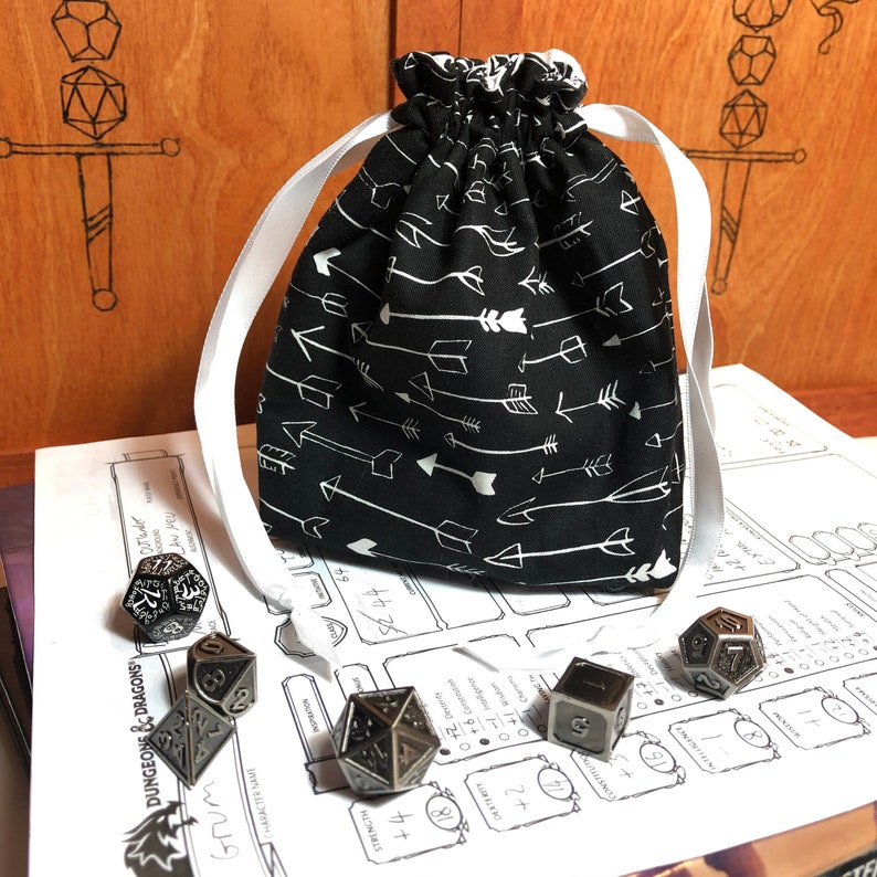 Tabletop Gaming Pathfinder Pouch Dungeons and Dragons Bag of Holding D/&D Arrows and Feathers Archer Dice Bag RPG