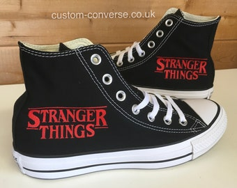 chaussures stranger things converse