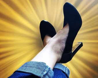 dbc882111db MIMCO Black Suede with Gold Heels