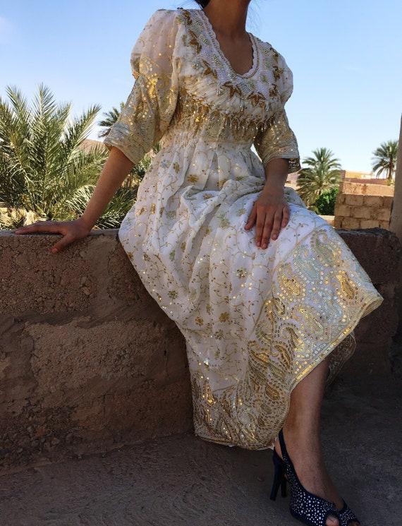 Beautiful rare and unique piece dress -vintage mor