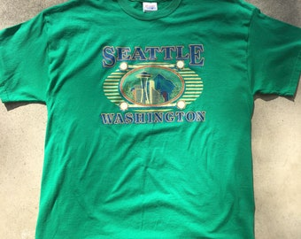 a122e2fd Vintage Seattle Skyline Space Needle Pike Market America Green Tee Shirt -  Unisex Adult Large Vintage Clothing - Vtg - Streetwear - Retro