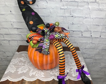 Halloween Table Witch Décor, Halloween Entry Way Pumpkin Decor, Halloween Whimsical Party Centerpiece, Back Porch Witches Hat Decoration