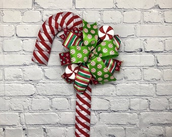 Candy Cane Wreath, Candy Cane Ribbon Wreath, Christmas Candy Cane Door Hanger, Winter Wreath, Candy Cane Deco, Storm Door Christmas Wreath