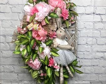 Easter Bunny Door Hanger, Easter Bunny Wreath, Easter Wreath, Easter Tobacco Basket with Bunny, Spring Easter Wreath, Wreath for Front Door