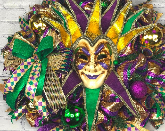 Mardi Gras Wreath For Front Door, Jester Mask Deco, Mardi Gras Ball Deco, Venetian Mask Wreath, Purple Gold Green Deco, Fat Tuesday Wreath