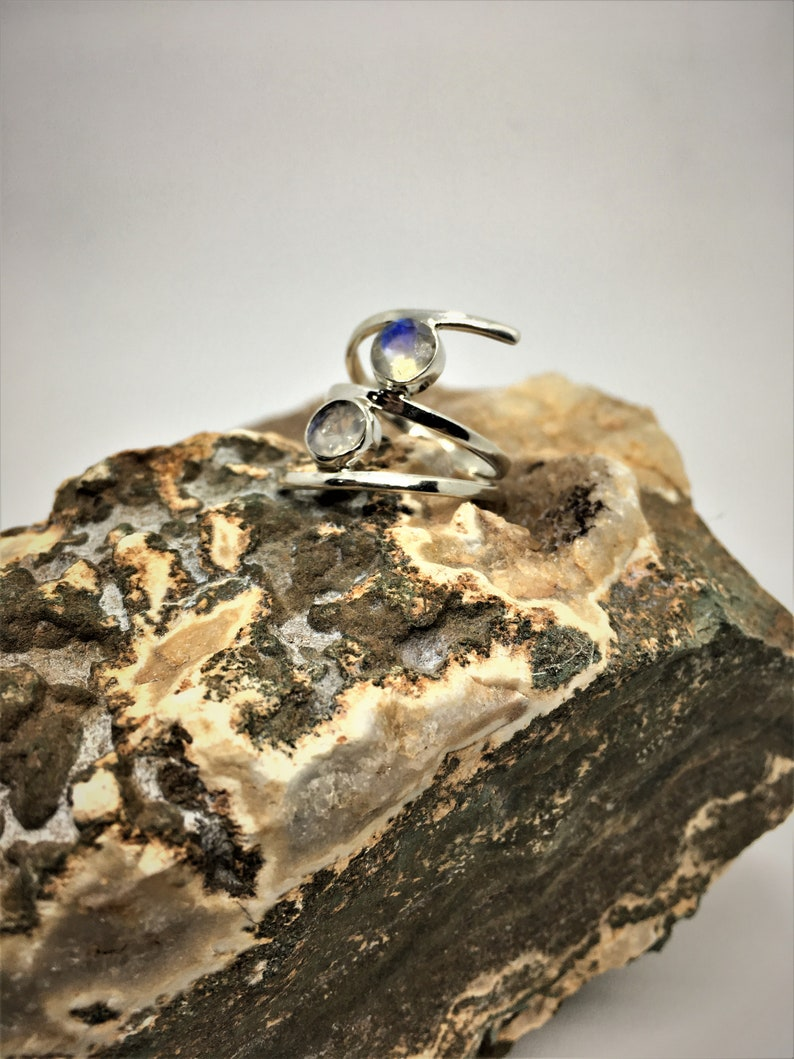 Silver 925 Ring studded with rainbow moonstone