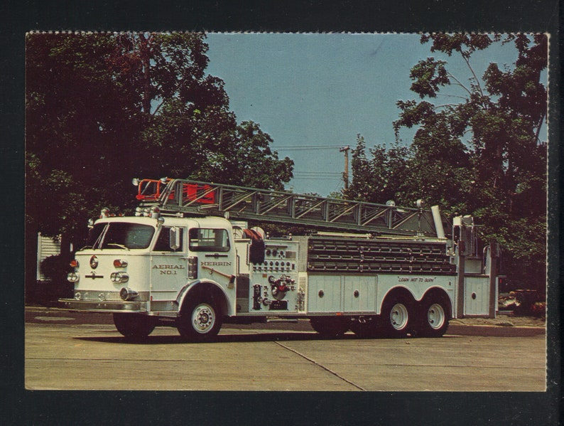 American LaFrance Ladder Chief Quint 1977 Fire Truck Vintage Real Picture Post Card