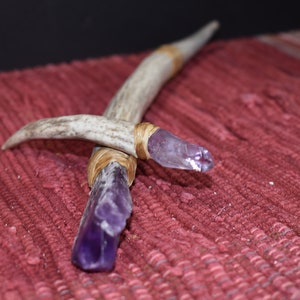 Simple Redheart antler wand