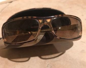 a4034e5be4f96 Burberry sunglass frames