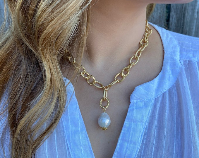 Statement Pearl Necklace   Chunky Necklace   Matte Gold Necklace   Baroque Pearl   Large Pearl