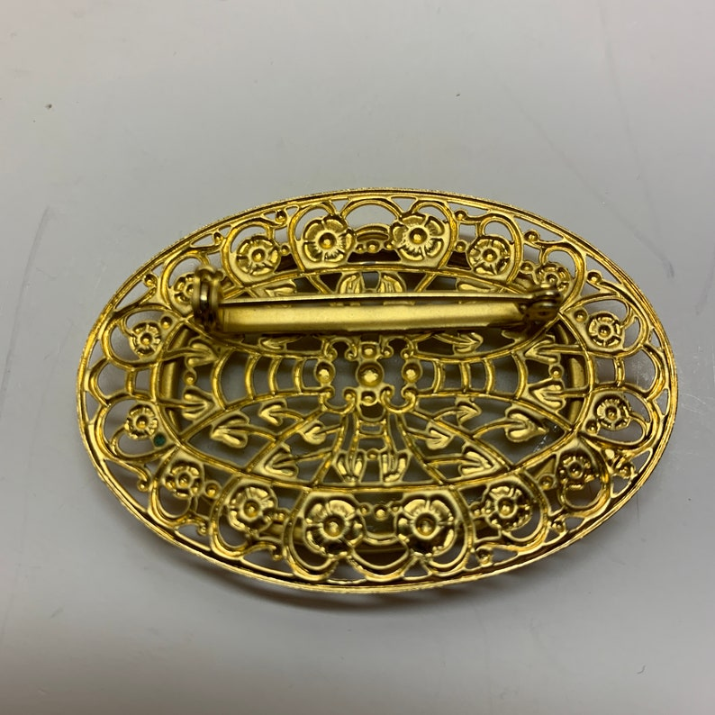 Vintage Brooch with Victorian Couple on Gold