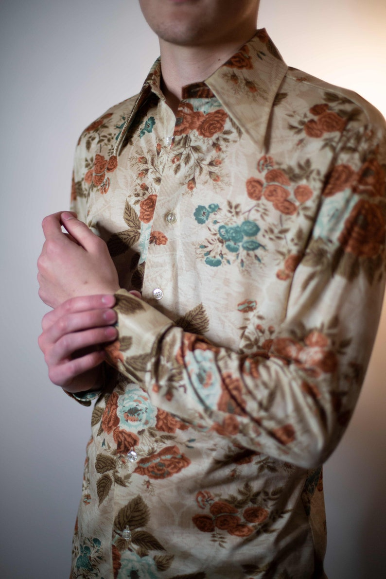 Laid back Hipster 1970/'s floral button down shirt Read item details