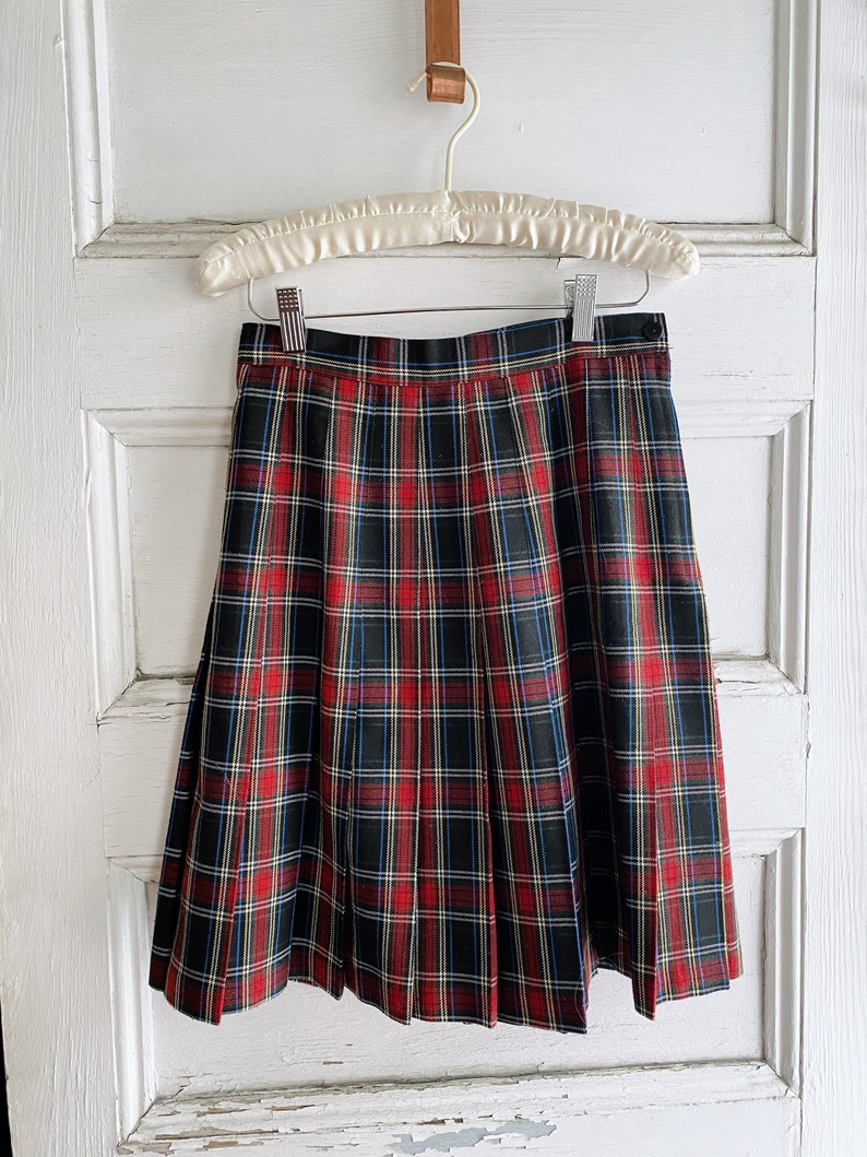 Waist Michael K And Company Vintage USA Made Red Blue Yellow Old School Plaid High Waisted Pleated Mini Midi Skirt 26 in