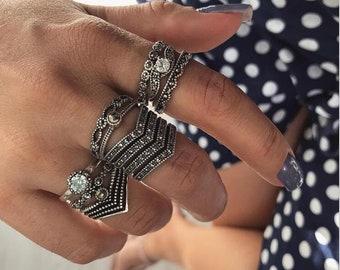 5ca6056b70 12 pcs/set ring set Twelve sets of vintage diamond ring with joint ring V- shaped diamond engraving 12 piece set