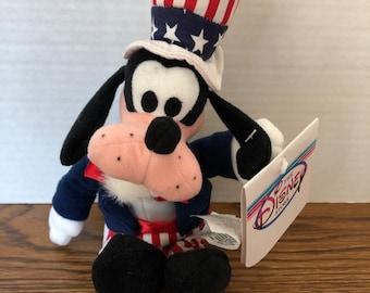 1d4ec07fd63 Disney Store Uncle Sam Goofy Mini Bean Bag