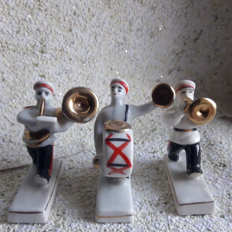 A rare set of statuettes of the Suvorov orchestra Polonoe 1970