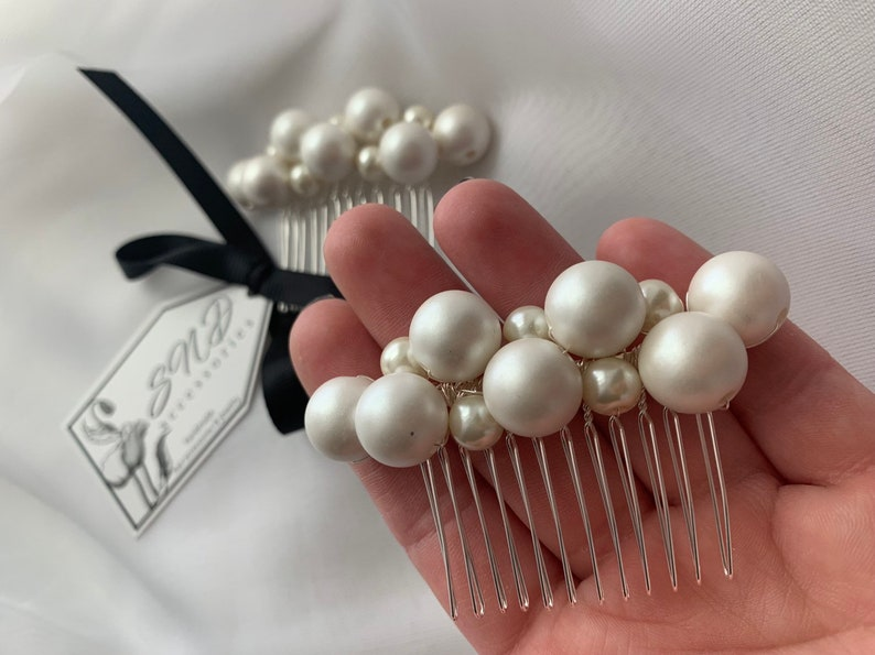 Wedding pearl headpiece Bridal Pearl hair comb Ivory silver headpiece bridesmaids and prom jewelry Pearl hair accessories