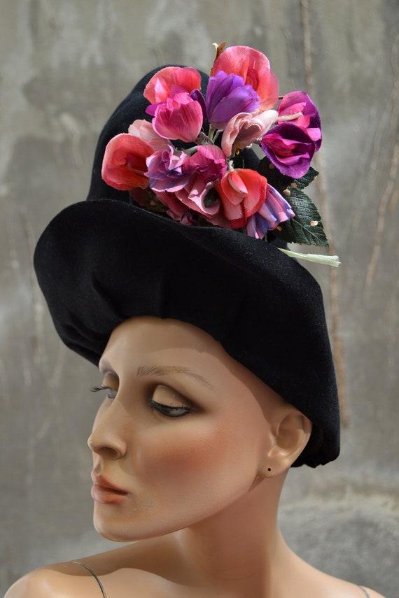 1940 - Hat ZAZOU Halo hat and bouquet oversize - e