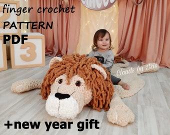 Lion Leonardo   finger crochet pattern   baby mat   loop yarn  black friday