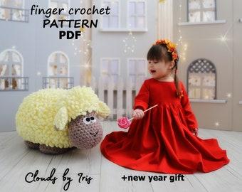 Puf Lamb   ottoman   Finger Crochet Pattern   loop yarn   New Year