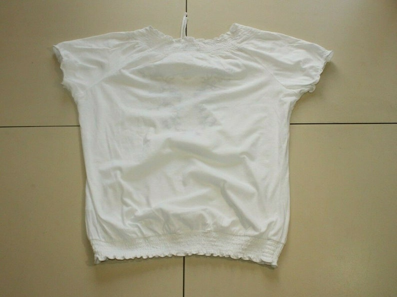 Vintage White Cotton WOMAN Embroidered Short Sleeve Casual Top Blouse Size 14-16  42-44