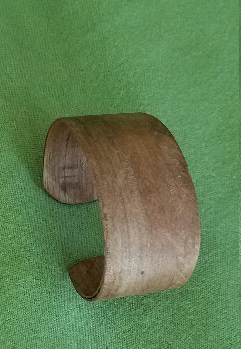 1 14  English Walnut Wrist Cuff Bracelet JAVI1002