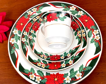 Tienshan Deck the Halls 4 Piece Place Setting, Vtg Christmas China Dinnerware Set, Poinsettias on Green Border w Red Ribbon and Gold Trim