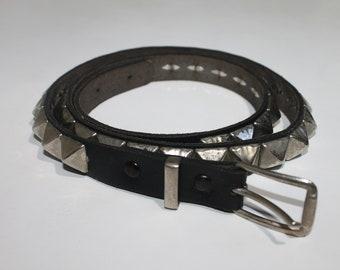 1 Row Pyramid Studded Leather Belt