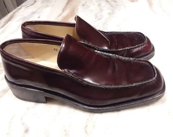 07a6ead14 Gucci mens slip on loafer dress shoes. Size 9E