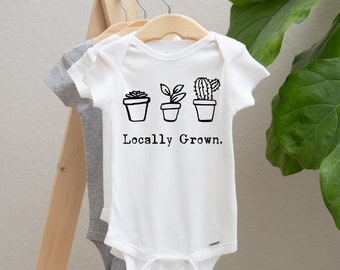 newborn outfit Pregnancy Announcement I Wet my Plants baby bodysuit Baby Shower gift Baby Announcement cute onesies plant lover