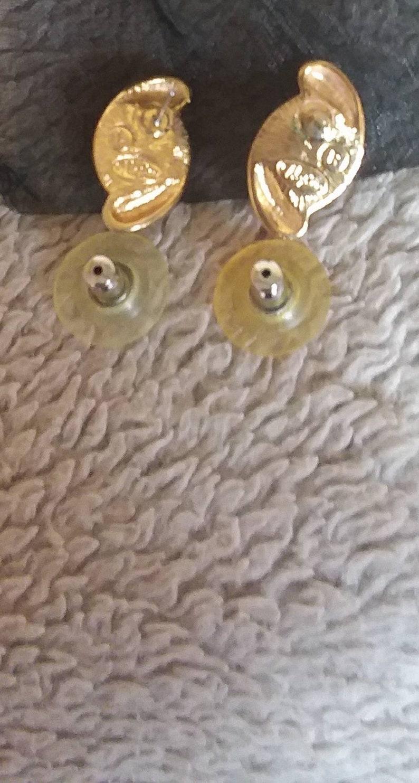 Vintage 1980 Signed Napier Earrings-BNWT/&Unworn Pair.Oval,Gold Tone Swirl+Faux Pearl Design,Clear Disc Butterflies-Signed,Retro 1930s,Swish!