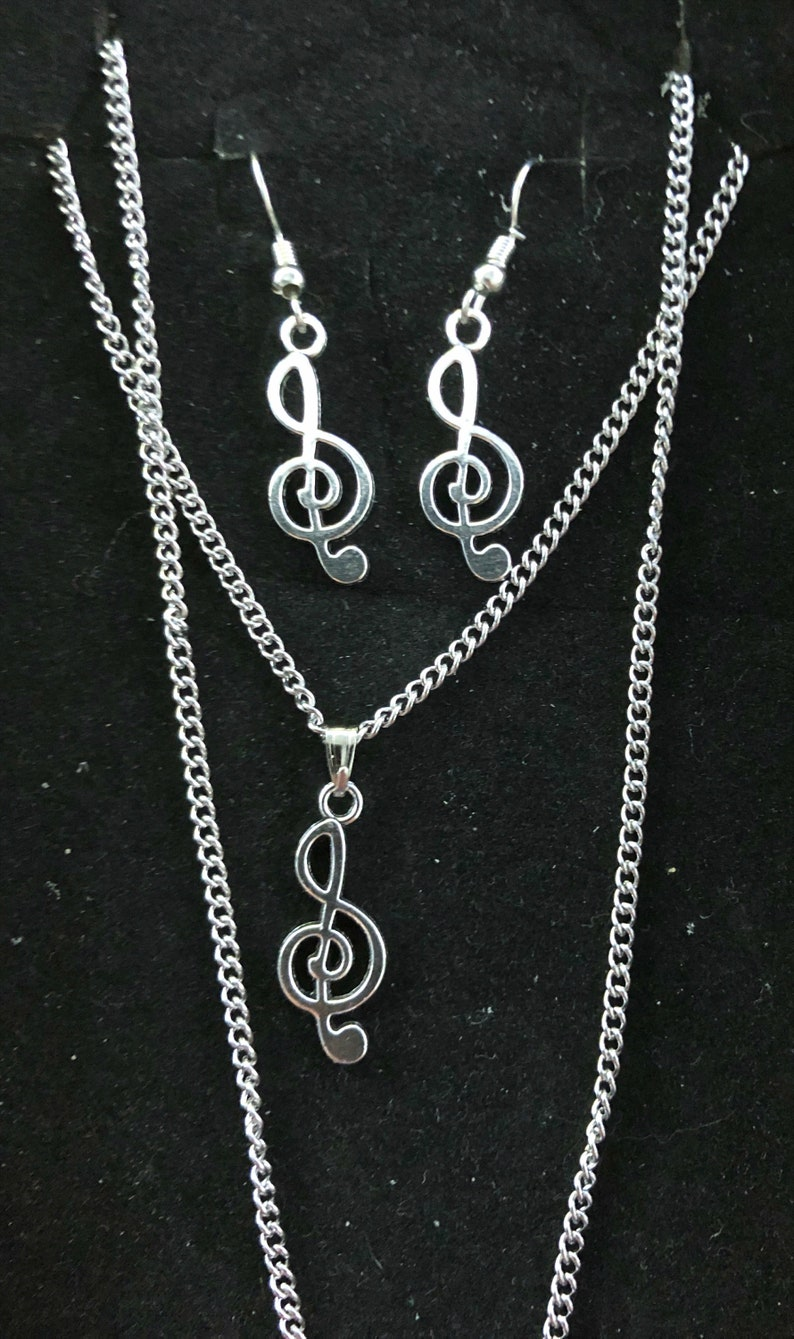 Stainless Steel Necklace Braclet /& Earring Set With A Stainless Steel G Clef Music
