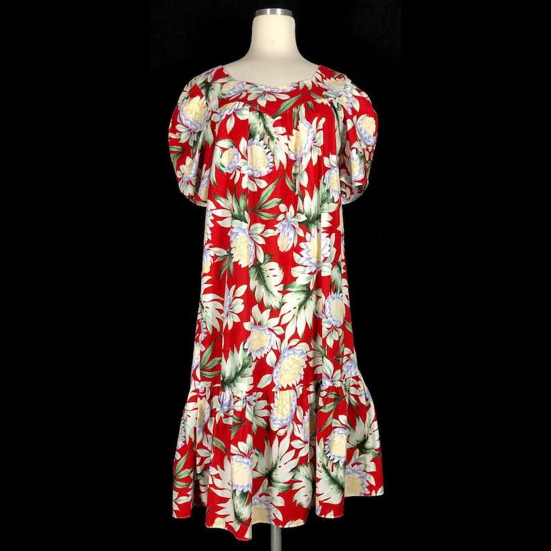 Red with Tropical Graphics Made in Hawaii Vintage Hawaiian Dress MuuMuu may fit Medium Size Small
